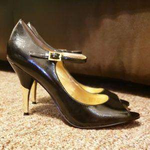 Tahari Monica peep toe ankle strap black/gold heel